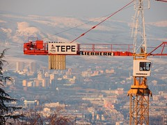 'Under construction' (Steve Hobson) Tags: construction university crane ankara tepe bilkent