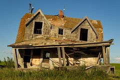 Untitled (TigerPal) Tags: saskatchewan sask rural ruraldecay dustyroad gravelroad abandoned forgotten hawarden farm farmhouse wonky oncewashome