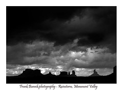 Approaching thunder storm, Monument Valley (frank_bunnik) Tags: monumentvalley usa america western thunderstorm thunder storm iconiclandscape olympus