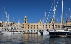 Docking in Vittoriosa (Lawrence OP) Tags: malta vittoriosa harbour sea boats