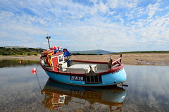 TIME AND TIDE (Duncan Disorderly2011) Tags: boat sea anchored shallow nikon d7000