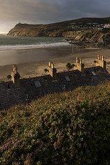 Port Erin - Victorian chimney pots and satellite dishes (-j-o-s-e-) Tags: port erin beach low tide afternoon autumnal sun milners tower bradda head isle man manx victorian chimney pots hebe flowers golden light portrait xt2