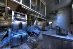 Essai de crme renverse (urban requiem) Tags: cuisine kitchen kche inox urbex urban exploration abandonn abandoned verlaten verlassen lost old decay derelict hdr 600d 816 sigma lesclarinettes