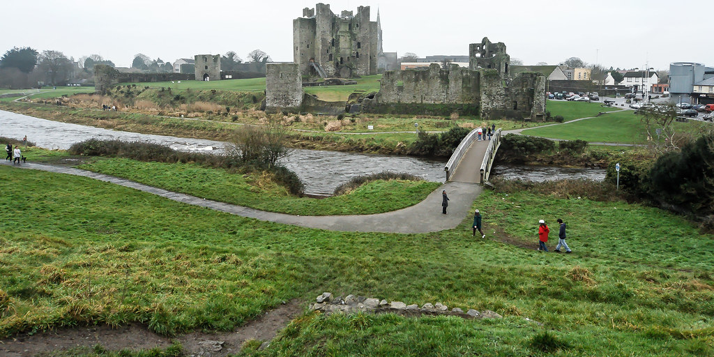 TRIM CASTLE AND NEARBY [COUNTY MEATH]-123611