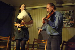 Hanka and Tad Rytwinski (2016) 01 (KM's Live Music shots) Tags: worldmusic greatbritain hankatadrytwinski hanka tadrytwinski gajdy bagpipes fiddle violin islingtonfolkclub horseshoe