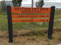 01 Vic Roads Checking the Job No.01 Western FWY Path Robinsons Rd 03-11-2016