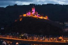Advent-Beleuchtung auf der Reichsburg Cochem (oblakkurt) Tags: cochem nachtaufnahmen burgen schlösser abendstimmung mosel