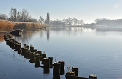 Winterse ochtend langs de Vecht nabij Weesp (Maarten Kroon @ shooting) Tags: boot bootje vecht meander winter holland