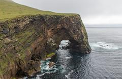 Natural Arch on Foula (Kees Waterlander) Tags: uk scotland shetland schotland foula oldredsandstone naturalarch ors greatbrittan