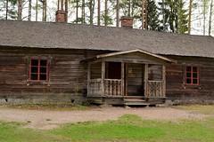 The cotter's house in the Laurinmäki museum area (Janakkala, 20120511) (RainoL) Tags: eh museum finland geotagged spring may fin 2012 janakkala häme 201205 kantahäme etelähäme 20120512 geo:lat=6089021900 geo:lon=2459922800 laurinmäki