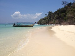 Thailand (federica_leveratto) Tags: ocean beach thailand island fishermanboat