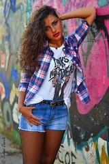 Ritratto murales (trinseco6889) Tags: portrait girl shirt graffiti murals tshirt short murales ritratto ragazza