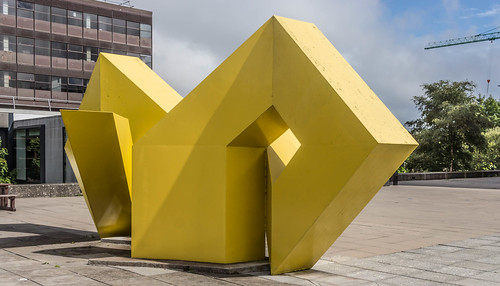 A VISIT TO GALWAY UNIVERSITY CAMPUS [GALWAY YELLOW BY BRIAN KING] REF-107222