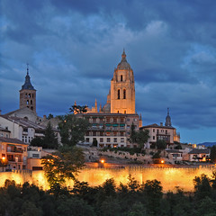 Spain - Castilla y León - Segovia - Cathedral (Harshil.Shah) Tags: light españa evening spain cathedral leon segovia castile castillayleón