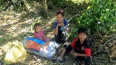 20150816_001 (Subic) Tags: people children philippines hash