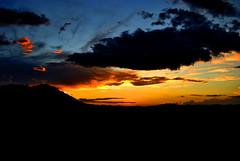 Barquisimeto DzoR (Saul Gap) Tags: sunset cloud color sol azul atardecer nikon venezuela ve amarillo lara cielo nubes crepusculo naranja nube lanscape tarde barquisimeto manzano puestadelsol airelibre guaro elmanzano d3000 nikond3000 dzor cielomania