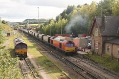 60015 Peak Forest, Buxton (Paul Emma) Tags: uk railroad england train buxton derbyshire railway quarry freighttrain 60015 dieseltrain class60 peakforest
