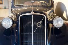 Front from a old Volvo (trankoket) Tags: museum volvo grill bil veteran pv bl gammal veteranbil vacker vindruta backspegel torkarblad strlkastare kylare classiker