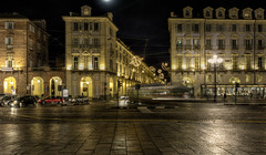 Torino di notte : il tram ... (Roberto Defilippi) Tags: 932016 rodeos nikond7100 notte night tram turin torino tripod