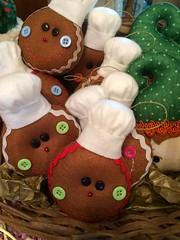 Bolachinas de Natal (Pina & Ju) Tags: christmas natal navidad handmade artesanato gingerbread ornaments feltro patchwork papainoel árvore decoração rena duende tecido enfeite elfo bolachinha