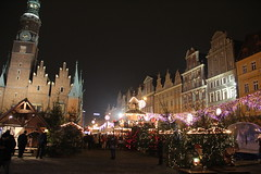 Christmas market , Wrocław 15.12.2015 (szogun000) Tags: christmas city decorations urban night canon buildings shopping square lights wooden cityscape nightshot market cityhall poland polska christmasmarket booths shops stands rynek wrocław lowersilesia dolnośląskie dolnyśląsk canoneos550d canonefs18135mmf3556is rautsz