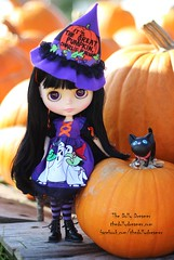 The Pumpkin Patch (thedollydreamer) Tags: blythe doll its the great pumpkin charlie brownoutfithand madefactorythe dolly dreamerbridget dellaeroazonepure neemo bodysize smallblack haircustom eye chips halloween pumpkinpatch