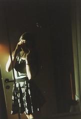 Soft light (Ami Van Caelenberg) Tags: analog analogue disposable disposablecamera bartsmit selfie selfportrait self girl haafu japanese belgian belgium mirror reflection people me asian