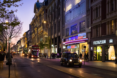 "Oxford Street, London • <a style=""font-size:0.8em;"" href=""http://www.flickr.com/photos/22350928@N02/30196423820/"" target=""_blank"">View on Flickr</a>"