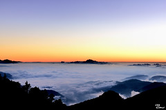 (Clonedbird  & Iris ) Tags:      14      seaofclouds sunset taiwan nantou mountain nationalpark