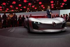 Renault Tresor Concept & Laurens Van den Acker (Joseph Trojani) Tags: renault tresor voiture concept conceptcar salondelautomobile paris lectrique nikon d7000 auto show motor motorshow vhiculelectrique electricvehicle