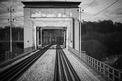 Årstabron 2016-04-23 (Michael Erhardsson) Tags: järnväg stockholm spår infrastruktur 2016 mars dubbelspår årstabron årsta järnvägsbro bro svartvitt