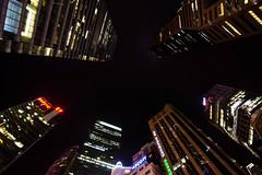 Rascacielos (fns-k) Tags: anochecer asia construcción edificio edificiocomercial horariodetrabajo nocturno paisajeurbano rascacielos singapur trabajo
