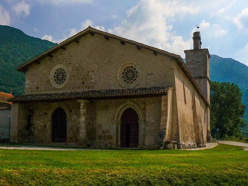 La chiesa di San Salvatore a Campi