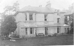Unidentified property believed to be in Bournemouth (Alwyn Ladell) Tags: dorset bournemouth unidentified house jonrisdon verandah glass iron