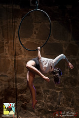 Encuentro Escuelas Europeas de Circo (PeRRo_RoJo) Tags: portrait espaa woman girl night lights luces noche mujer chica circo circus retrato sony acrobat es alpha slt vila castillaylen acrobacia acrbata a77ii ilca77m2 sonya77ii 77ii