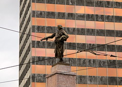 Don Diego Lpez de Haro (Marcosgll) Tags: espaa streets statue architecture arquitectura europe bilbao bbva estatua naranja basque vasco calles pais