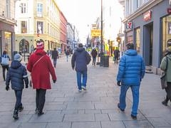 Going into town (mittalbum) Tags: street autumn cold oslo walking streetlights pedestrians karljohan pedestrianarea canonpowershots90