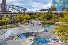 Skateranlage im Osten Frankfurts (JohannFFM) Tags: skateranlage frankfurt ostend ezb deutschherrnbrücke