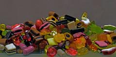 Color-Rado  Shooting (Gnter Hentschel) Tags: colorrado sses ss bunt farben lebensmittel lecker fruchtgummi lakritze deutschland germany germania alemania allemagne europa nrw dieanderenbilder verrckt verrcktebilder versuche nikon nikond5500 d5500 hentschel gnter indoor flickr