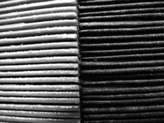 Simul et Singulis (Marie Kappweiler) Tags: fan black white schwarzweiss noir blanc ausschnitt pattern muster gray gris grau shade nuancen nuance fcher vantail comdiefranaise ensembleettresoimme dtail linien minimalismus einfarbig abstrakt textur geometrisch