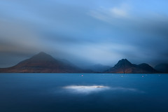 Washed out (George Pancescu) Tags: nikon d810 1635mm scotland elgol beach northsea water sky cloud clouds mountain blackcuilins isleofskye europe nature natural outdoor longexposure landscape scenery tide blue