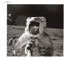 a12_v_bw_o_n (AS12-49-7278) (apollo_4ever) Tags: mannedspaceflight nasaastronaut humanspaceflight nasa rocketman charlesconradjr alanlbean moondust moonshot moonlandings moonlanding menonthemoon maninspace apolloastronaut lunarsample charlesconrad albean apolloxii secondmoonlandingmission manonthemoon lunarhorizon mooncamera moonmissions lunarexploration apollospaceprogram ussrc glossyphoto seb12100030 moonwatch nasavelcro omegaspeedmaster betacloth surveyoriii a7l surveyorlander lunarsurface datacamera hasselblad500eldatacamera űrhajós projectapollo apolloprogram surveyor3 eva extravehicularactivity oceanofstorms spacerace moonmission moonwalk apollo12 peteconrad alanbean