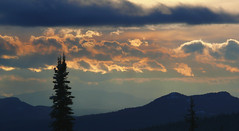 Sunset (Eddie the Explorer) Tags: canada bc britishcolumbia beautiful sunset winter nature clouds mountains bigwhite