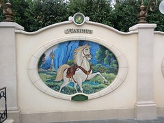 Maximus (Suki Melody) Tags: shanghai disneyland china maximus tangled wall disney garden 12 friends year horse twelve