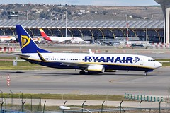 EI-DLH  MAD (airlines470) Tags: airport msn ryanair mad 1886 737 ln 737800 33590 eidlh 7378as