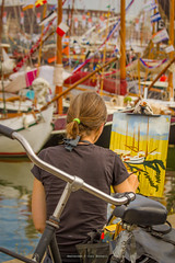 Keeping it simple (farflungistan) Tags: holland netherlands amsterdam bike nederland canvas painter sailboats tallships ij fiets ijmeer sailamsterdam artistworking sail2015