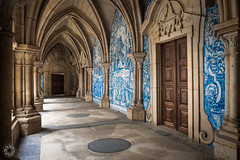 The Cloister at Sé Cathedral (Bernardo Ricci Armani PhotographingAround.Me) Tags: azulejos cathedral cloister gothic leicaq leicasummilux28mmf17asph porto portugal sécathedral unesco