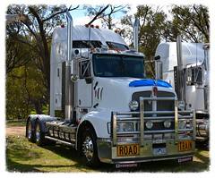 Sam O'Sullivans (quarterdeck888) Tags: nikon flickr country transport frosty semi lorry trucks express freight bobtail workingtrucks kw overnight kenworth tractortrailer semitrailer osullivan movingpictures quarterdeck bigrigs truckshow movingvehicles roadtransport primemover tautliner d7100 highwaytrucks australiantrucks t608 truckphotos expressfreight australiantransport roadfreight truckdisplay samosullivan workingshowtrucks transportdisplay jerilderietruckphotos jerilderietrucks outbacktrucks truckexpo transportexpo denitruckshow2015 deniliquintruckandtransportexpo deniliquintruckshow denitruckshow
