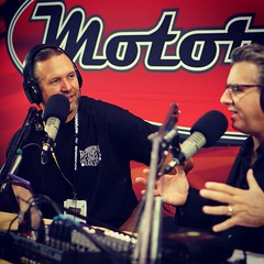 #throwbackthursday Interviewing the one and only @bodiestroud at #SEMA 2014 (Alan Taylor - ERN) Tags: cars radio sema behindthescenes alantaylor 2015 motorland throwbackthursday bodiestroud instagram ifttt sema2014 bsindustries shellsema2015