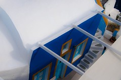 Colored House (Nihil Baxter007) Tags: blue house building architecture fenster aegean haus santorini greece architektur colored blau farbe santorin tr grichenland immobilie gis